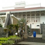 b-Masjid Muammar Qadaffi