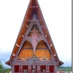 c-Gereja-Katolik-St.-Mikael-Pangururan Samosir