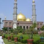 c-Masjid Kubah emas