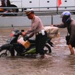 Polantas bantu yang kebanjiran