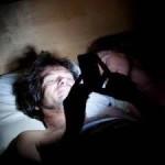 Penggunaan ponsel di kegelapan