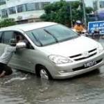 mobil mogok banjir