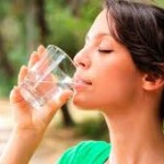 minum air putih sehari