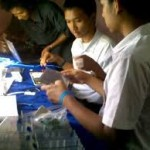 Siswa SMKN4 Bandung merakit Laptop advan