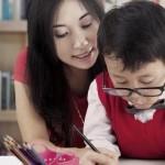 Orangtua-dampingi-anak-belajar