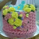 kue dan bunga ulang tahun