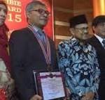 Warsito penemu pembasmi Kanker peraih BJ Habibie Award