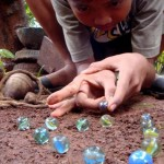 4-permainan tradisional Jawa Tengah - Gundu