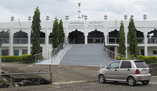 9-Berlebaran di Fiji