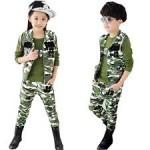 anak berpakaian tentara