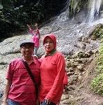FatchurR dan istri di Jogjokan Goa Lawang-Air terjun