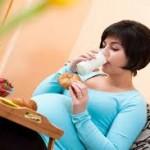 ibu hamil minum susu
