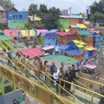 jembatan-kaca-karya-mahasiswa-umm-percantik-kampung-tridi-dan-kampung-warna-warni-tNr