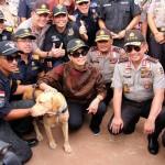 Andro Anjing Pelacak K9 Terima Medali