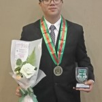 Anak Deshy-P84-Ferdinand Juara SMA IPS si Surabaya