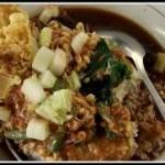 pecel rawon makanan tradisional dari banyuwangi