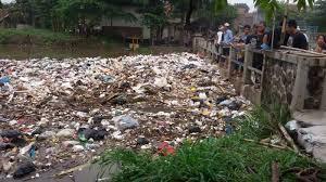 sampah plastik sungai