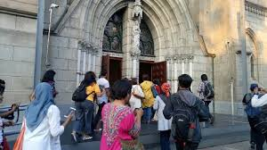 Putri Gus Dur Berbuka Bersama di Katedral