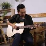 Warga Bandung Bikin Gitar Akustik Tertipis di Dunia