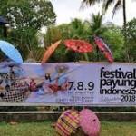 Keberagaman dalam Festival Payung Indonesia