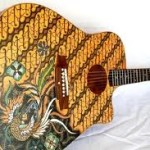 Guruh SN dan Gitar batik Nusantara