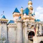 Pria ini membangun Basement rumahnya mirip Disneyland