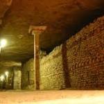 Suara alat music di terowongan Katakombe Ceko
