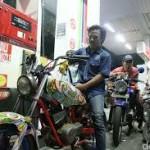Pemotor Tanpa Helm dilarang isi bensin di SPBU