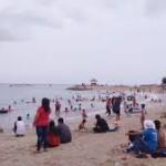 Liburan Natal-Tahun baru-Pengunjung Pantai Air Manis