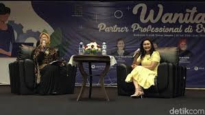 CEO Transmedia Wanita Berkarir Sukses