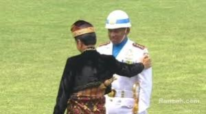 Presiden Mendadak Salami Komandan Upacara
