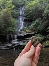 Ambil Batu Dari Taman Nasional Gadis Ini Minta Maaf