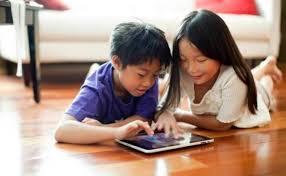 Gawai Tantangan Utama Minat Baca Bagi Anak