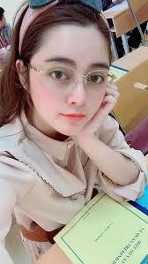 Cao Diep Anh Miss Vietnam Berkacamata