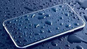 Mengatasi Smartphone Basah Karena Hujan