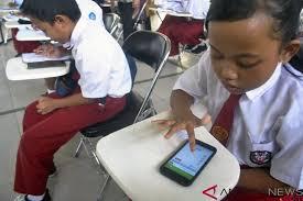 Teknologi Optimalkan Proses Belajar Di Kelas