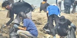 Melestarikan Ekosistem Laut Dengan Kurangi Sampah Plastik
