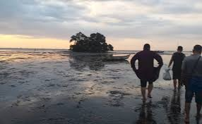 Mirip Tanah Lot Pantai Klasik Di Probolinggo