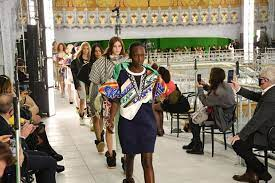 Fashion Show Saat Pandemi Louis Vuitton Catwalk Dan Undangan Berjarak 3Mt